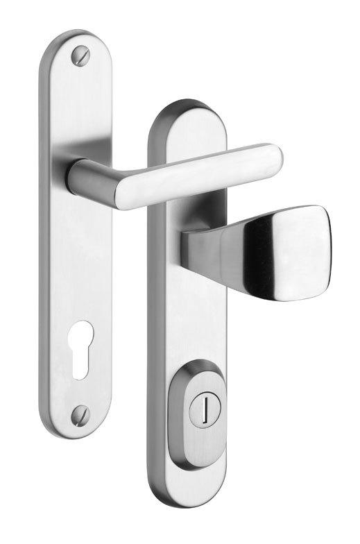 Bezpečnostní kování na vchodové dveře